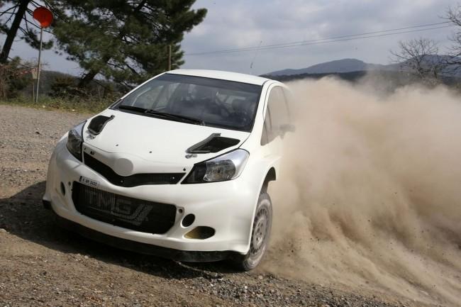 Toyota Yaris WRC - Bild 005