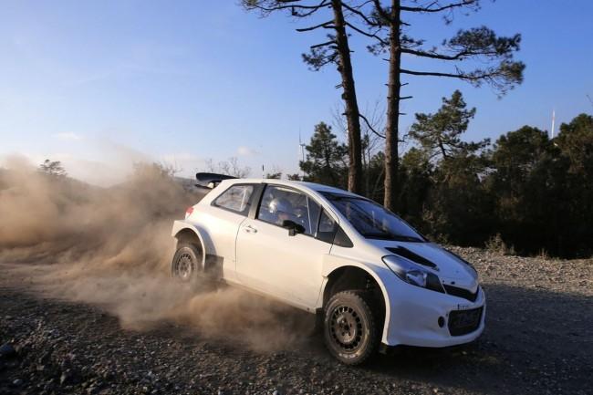 Toyota Yaris WRC - Bild 006