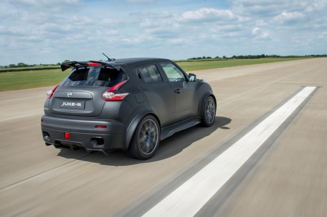 Nissan Juke-R 2.0 - Bild 008