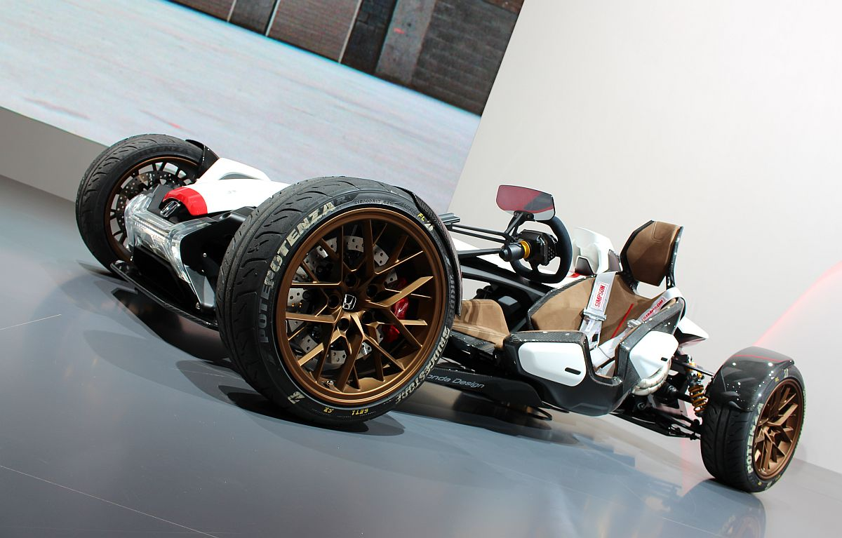 Honda Project 2-4 02