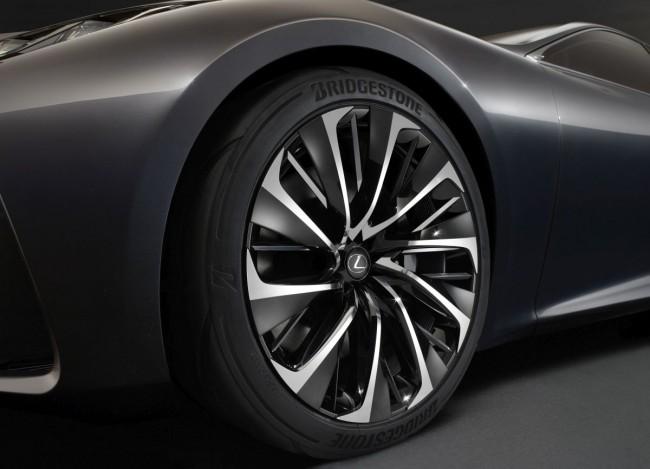Lexus-LF-FC-Concept-Bild-12