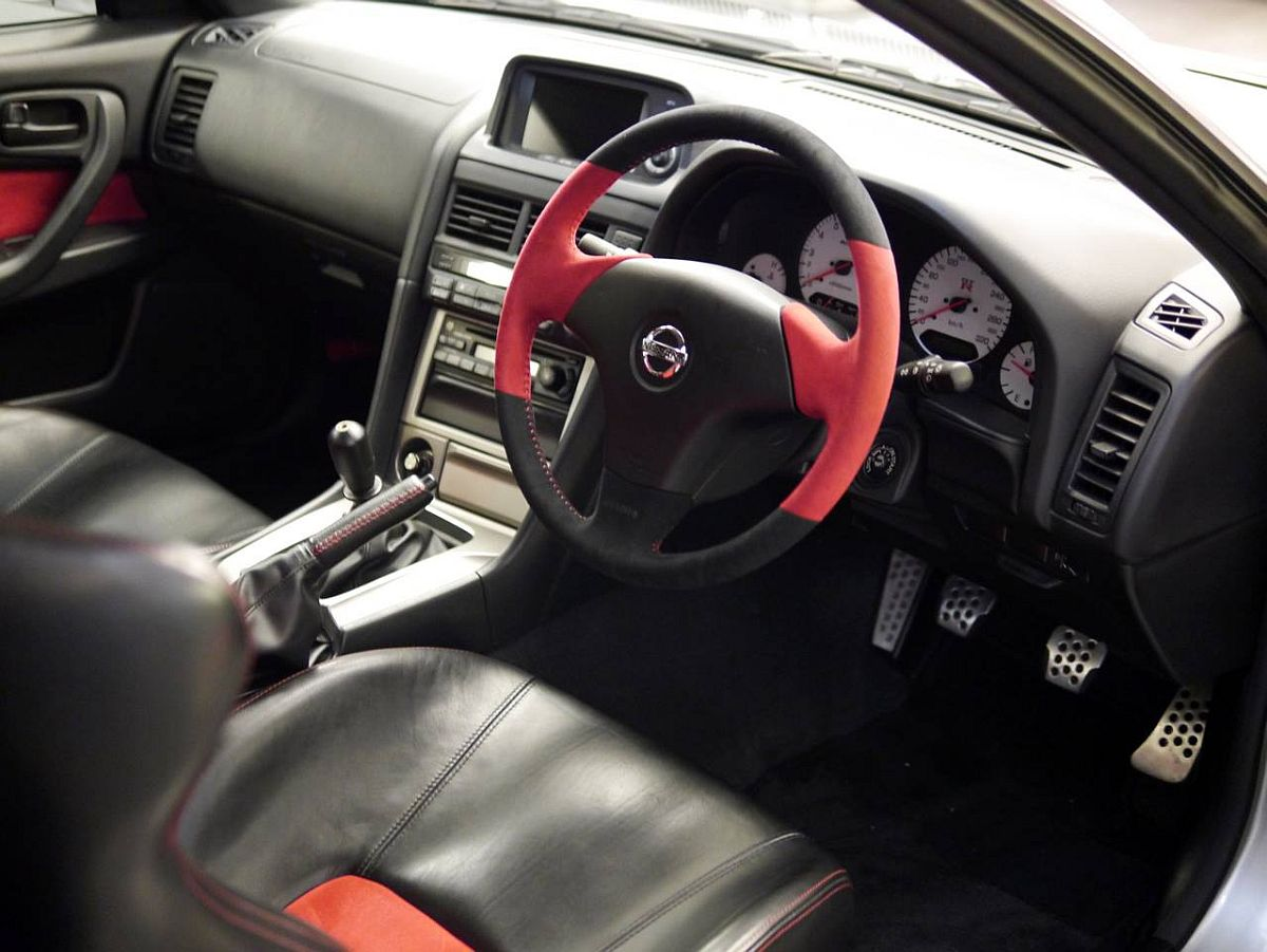 Nissan-Skyline-GT-R-R34-Nismo-Z-Tune-05