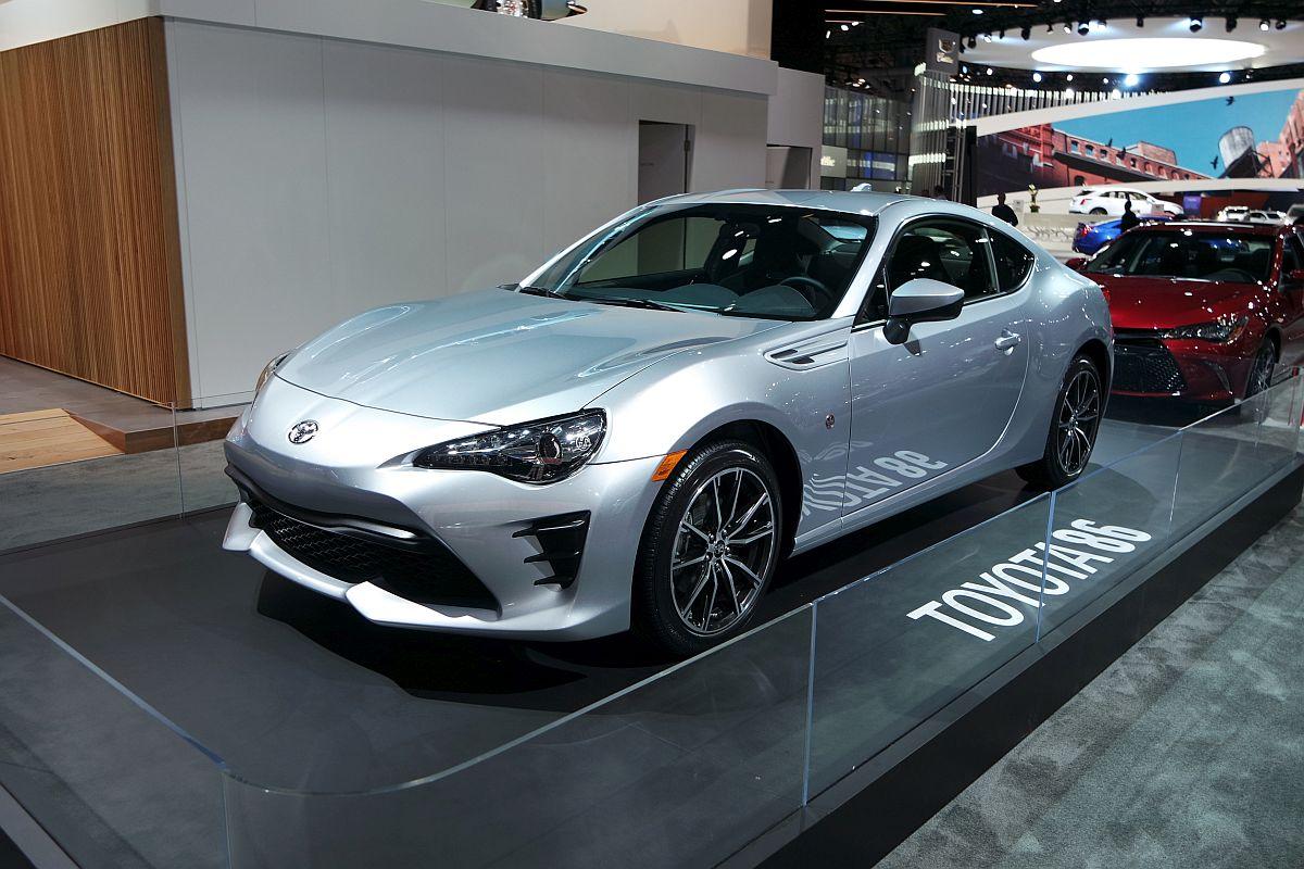 Toyota-GT-86-US-Spec-2017