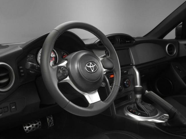 Toyota-GT86-2017-4