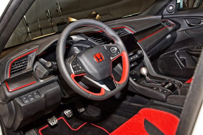 Honda-Civic-Type-R-2017 Cockpit