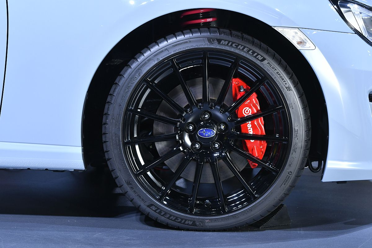 Subaru BRZ STi Sport Tokyo Motor Show 2017-04