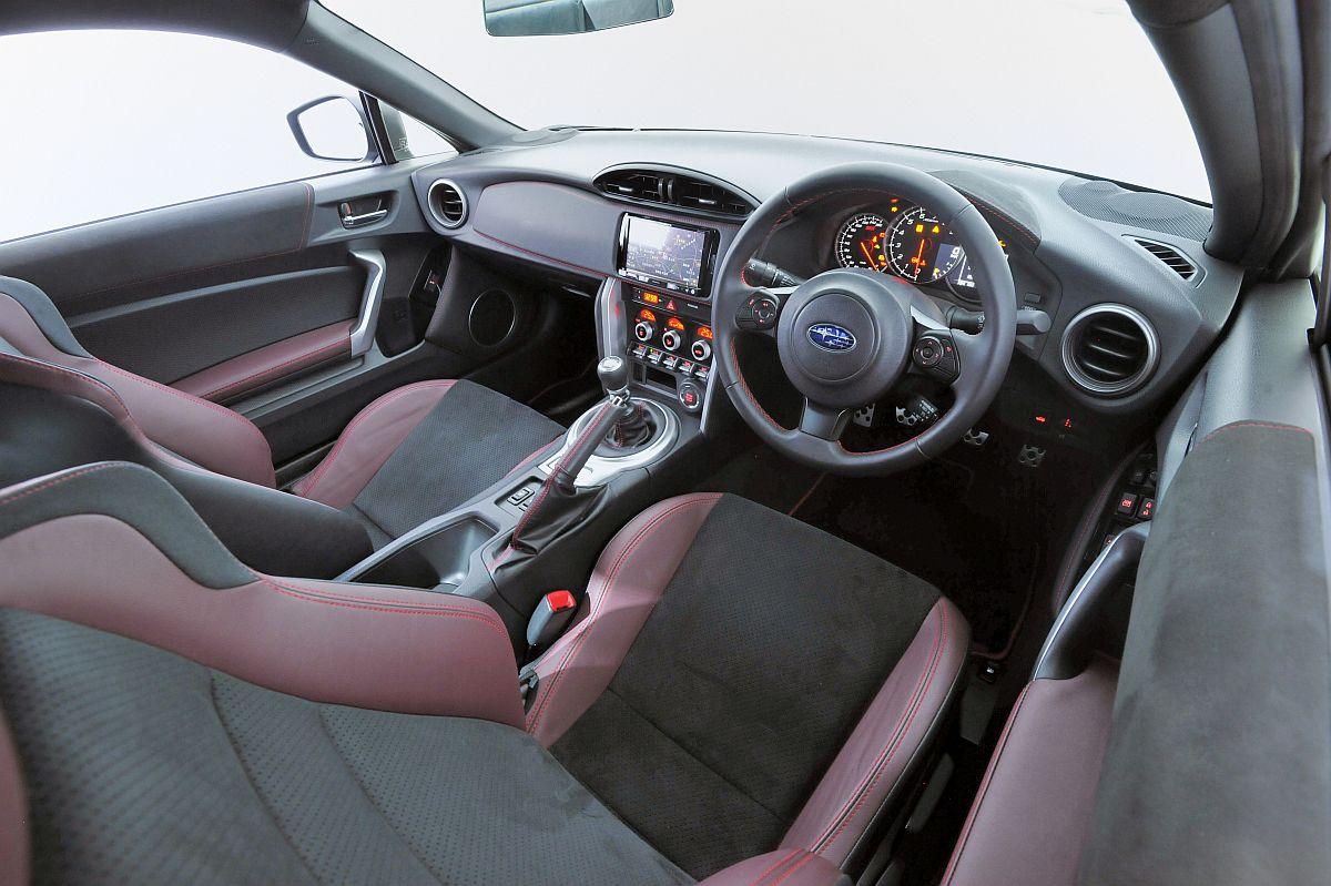 Subaru BRZ STi Sport Tokyo Motor Show 2017-07