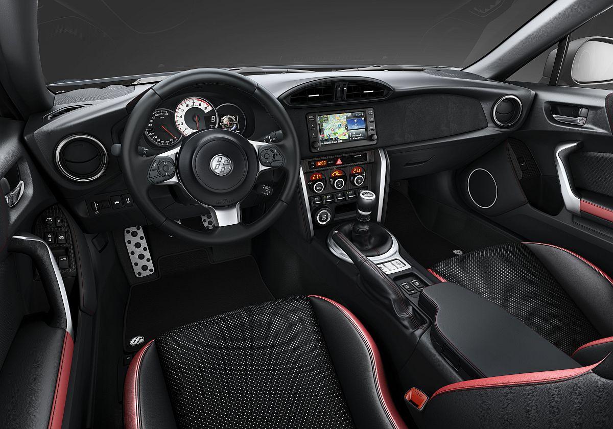Toyota-GT86-Shark-Cockpit